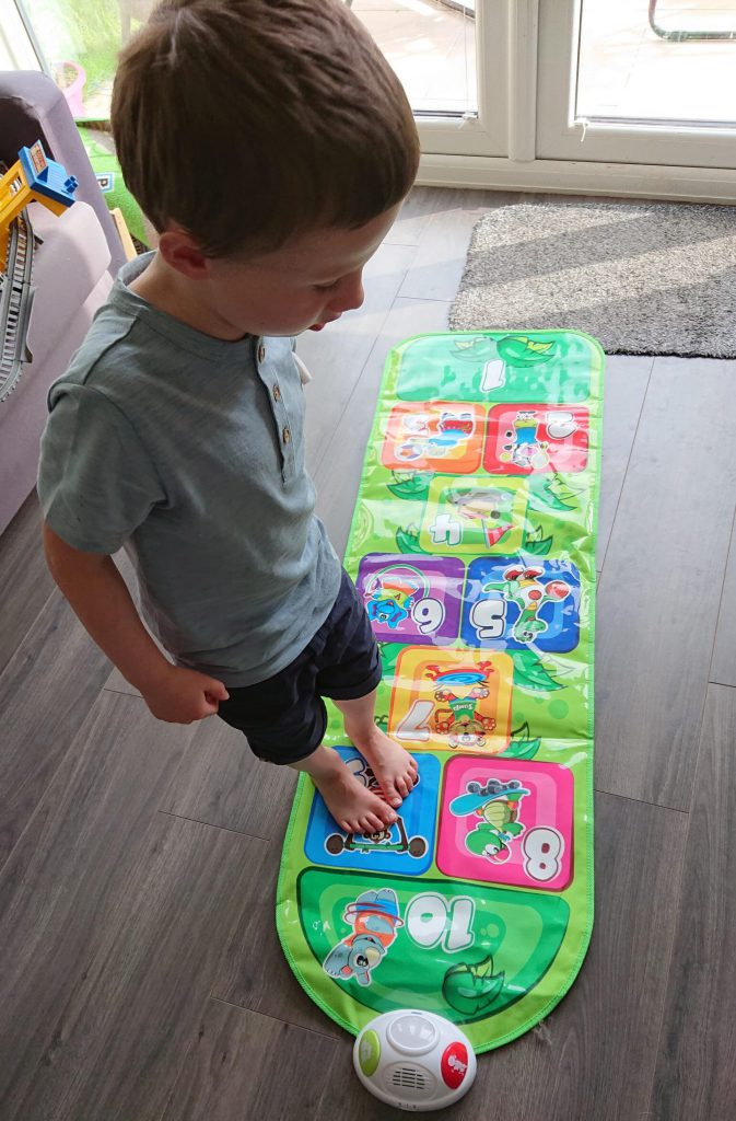 Chicco Hopscotch play mat